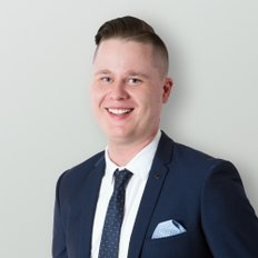 Lachlan Campbell, Sales Associate
