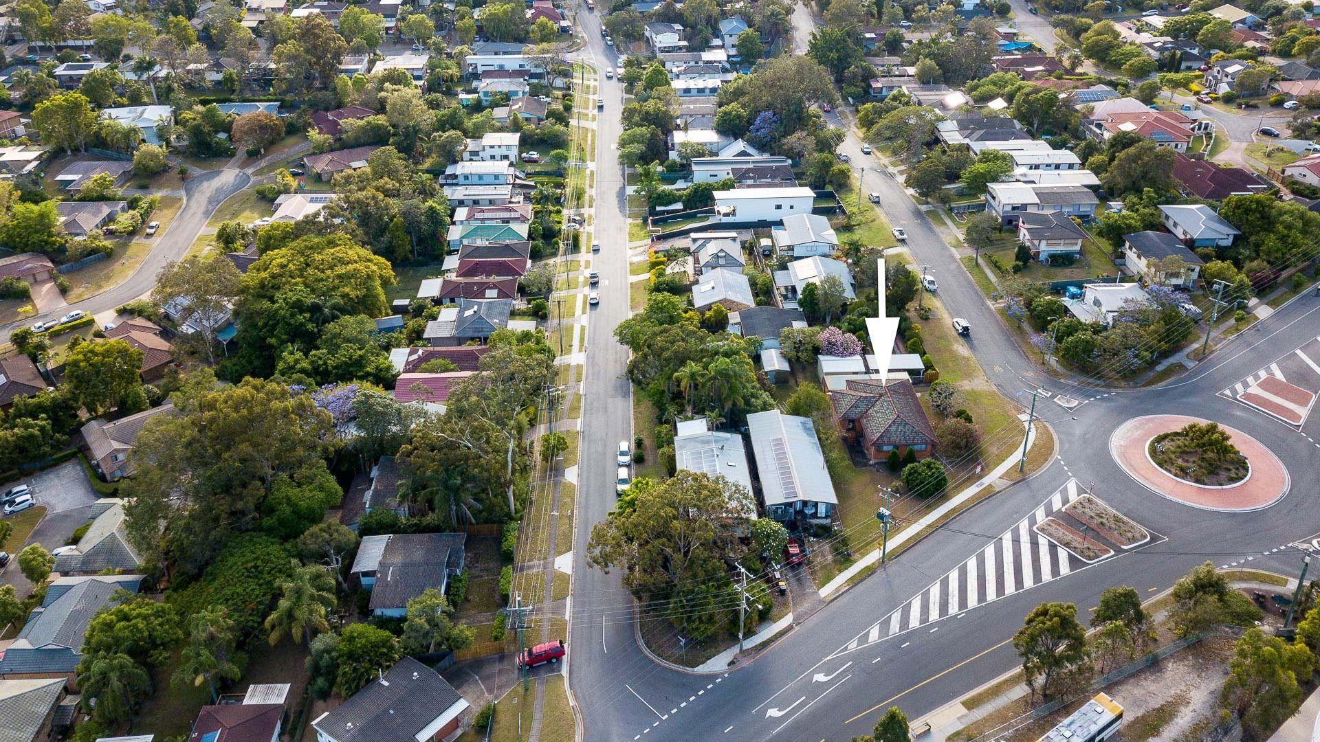 4 Carlyle Street (AKA 449 Seventeen Mile Rocks Rd), Seventeen Mile Rocks QLD 4073, Image 2