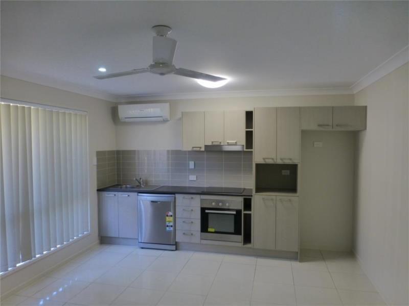 1/11 Innes Crescent, Bundamba QLD 4304, Image 1