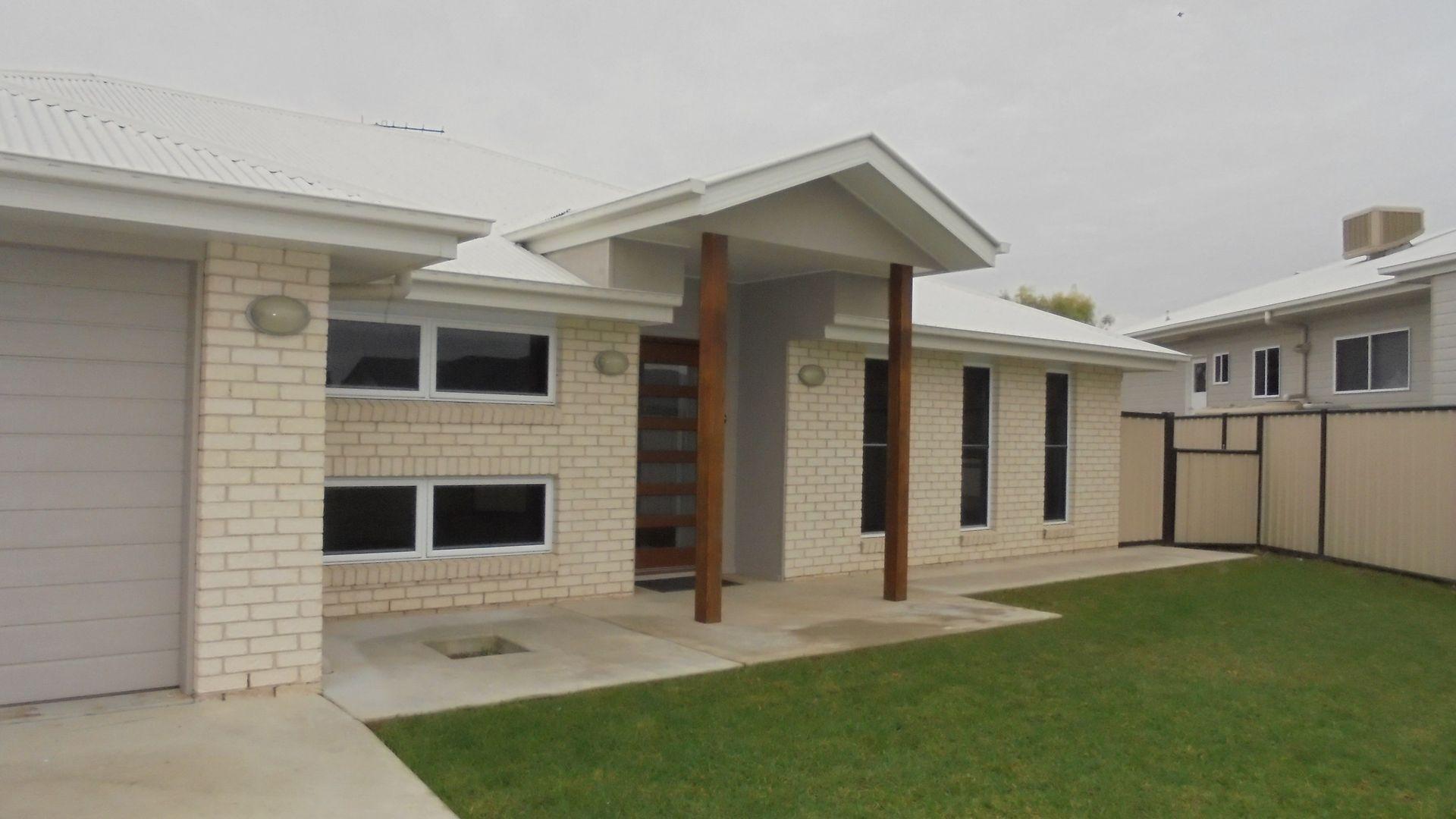 12 Lockyer Crescent, Roma QLD 4455, Image 1