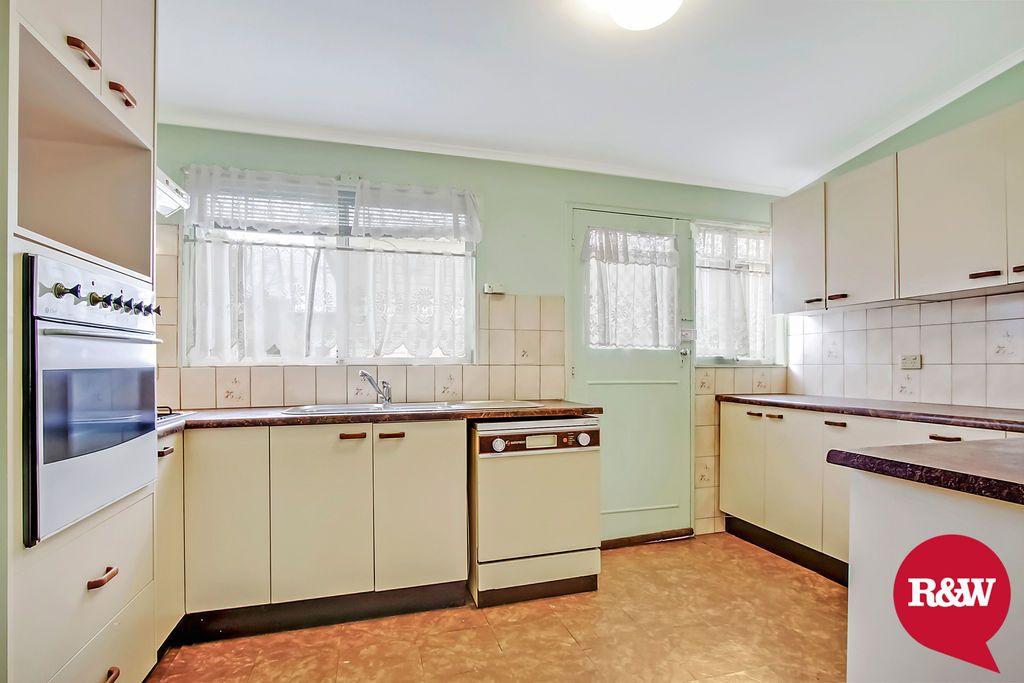 33 Neriba Crescent, Whalan NSW 2770, Image 1