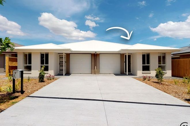 Picture of 2/9 Yallimbah Avenue, TANILBA BAY NSW 2319