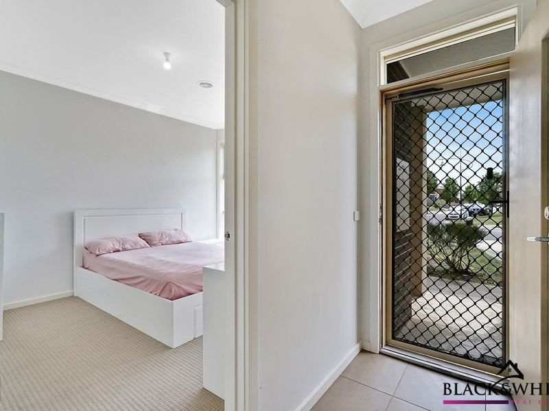 1/17 Catania Avenue, Point Cook VIC 3030, Image 1