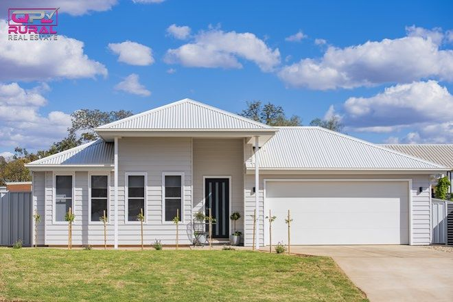 Picture of 8 John Rands Place, TEMORA NSW 2666
