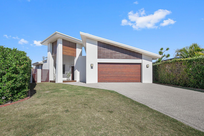 12 Banks Court, Torquay QLD 4655, Image 0