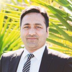 Harmeet Bhullar, Sales representative