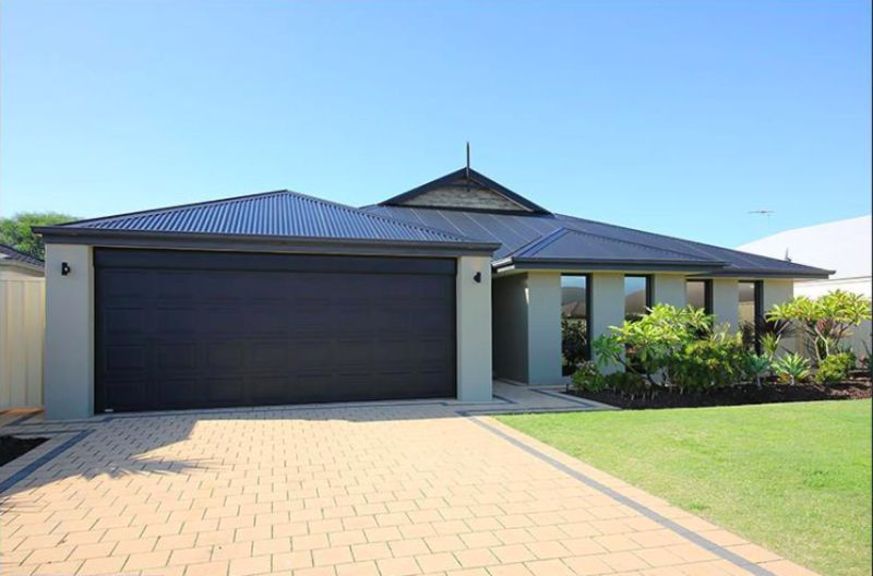 8 Murrin Loop, Lakelands WA 6180, Image 1