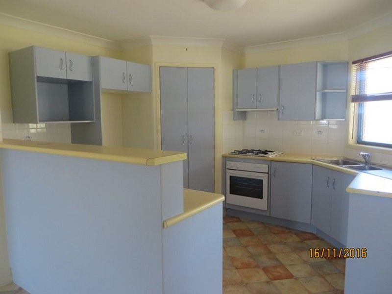 1/5 LAWRENCE COURT, Tannum Sands QLD 4680, Image 1