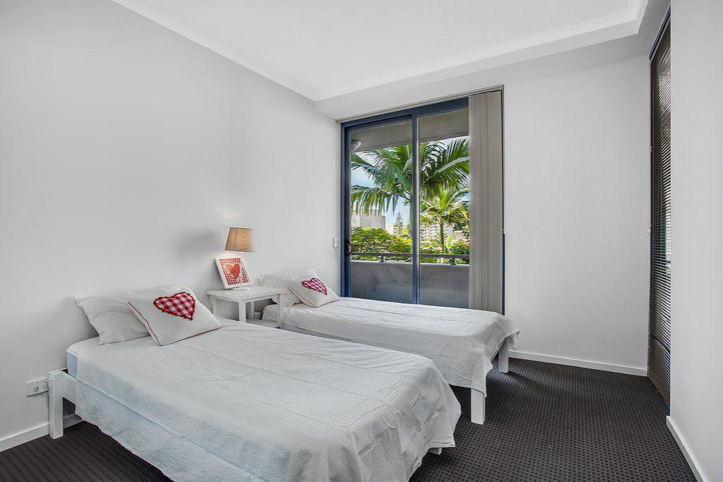 2047/1 Ocean Street, Burleigh Heads QLD 4220, Image 2