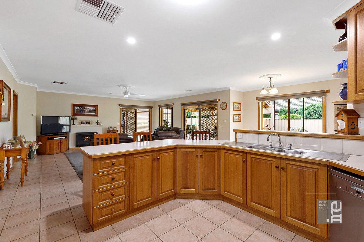 7 Monash Drive, Wangaratta VIC 3677, Image 2