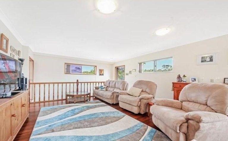 10 Tombondan Crescent, Ferny Hills QLD 4055, Image 1