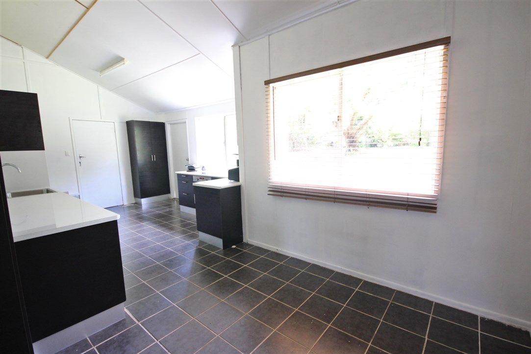 48 Sarina Beach Road, Sarina QLD 4737, Image 2