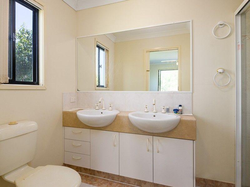 10 Diane Court, Calamvale QLD 4116, Image 2
