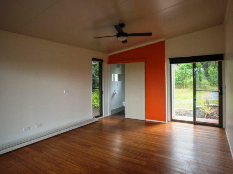 18 Cowes Street, MacLeay Island QLD 4184, Image 1
