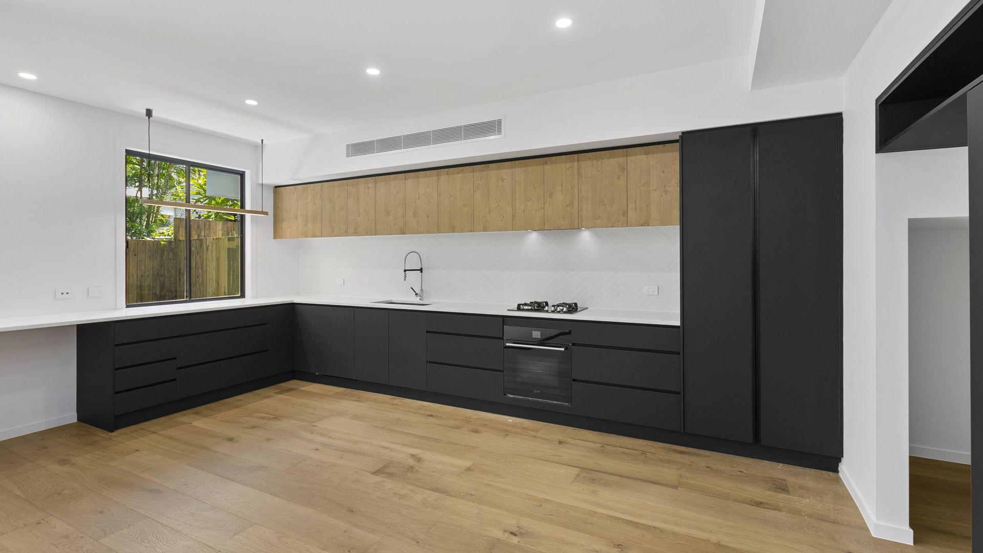 10 Sixth Avenue, Balmoral QLD 4171, Image 1