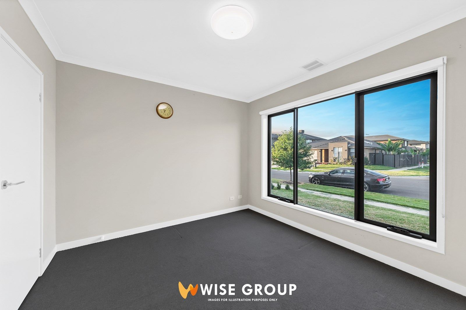 8 Lonarto Avenue, Clyde North VIC 3978, Image 2