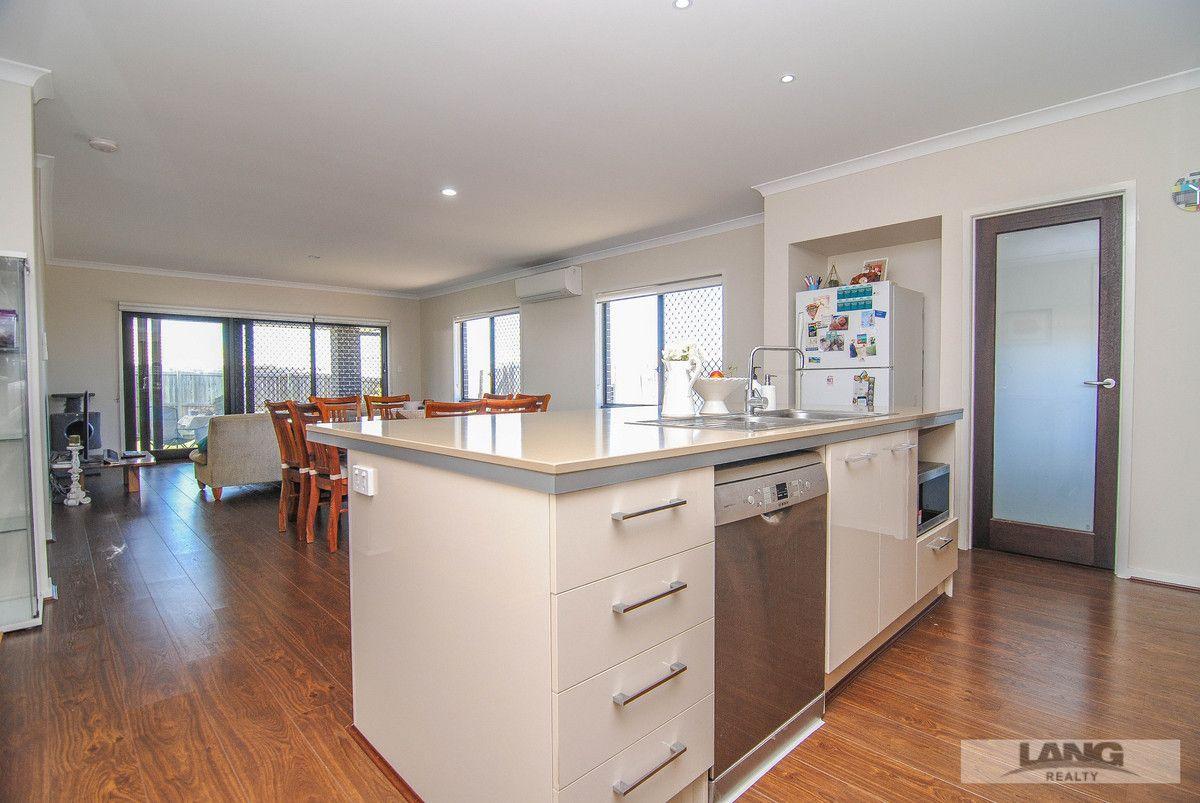 9 Dandelup Avenue, Ormeau Hills QLD 4208, Image 2