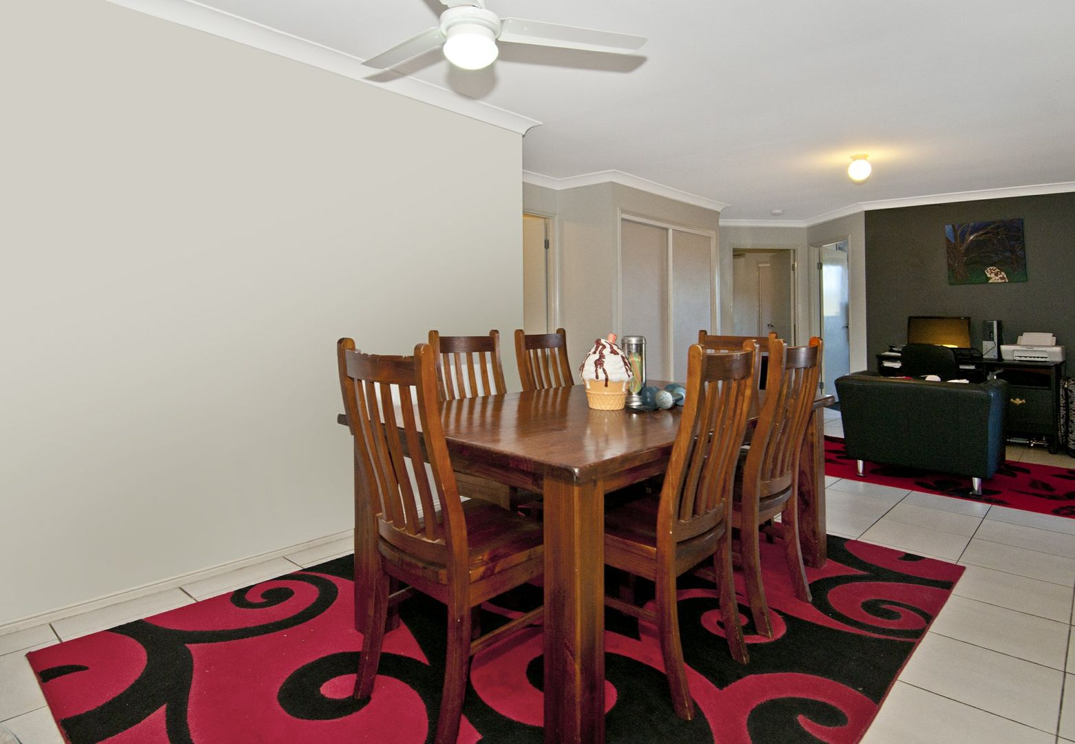 16 Holly Crescent, Windaroo QLD 4207, Image 2