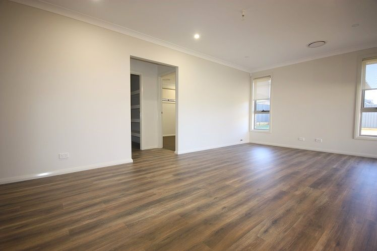 11 Cumberland Street, Gregory Hills NSW 2557, Image 1