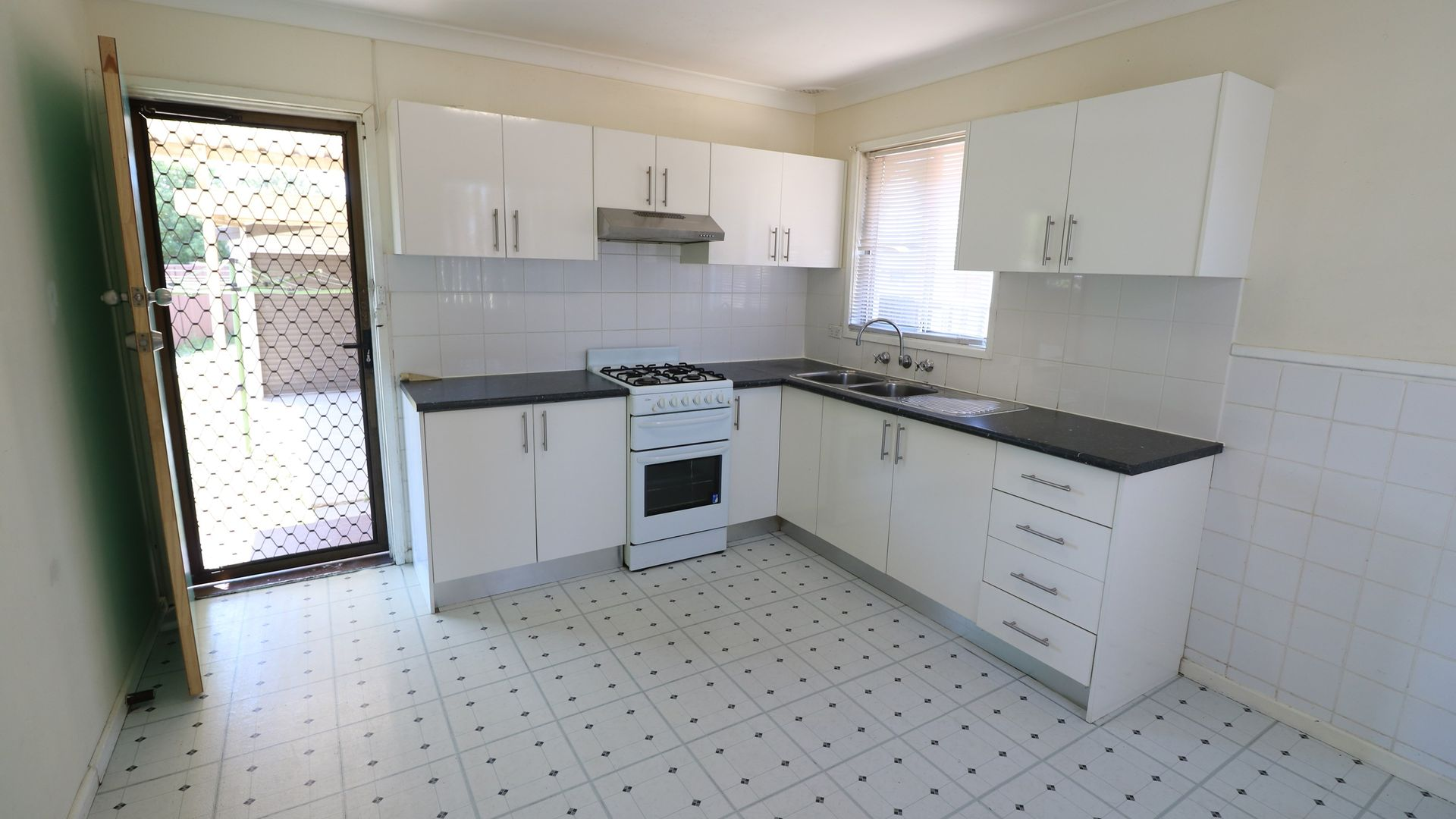 53 Chelsea Drive, Canley Heights NSW 2166, Image 2