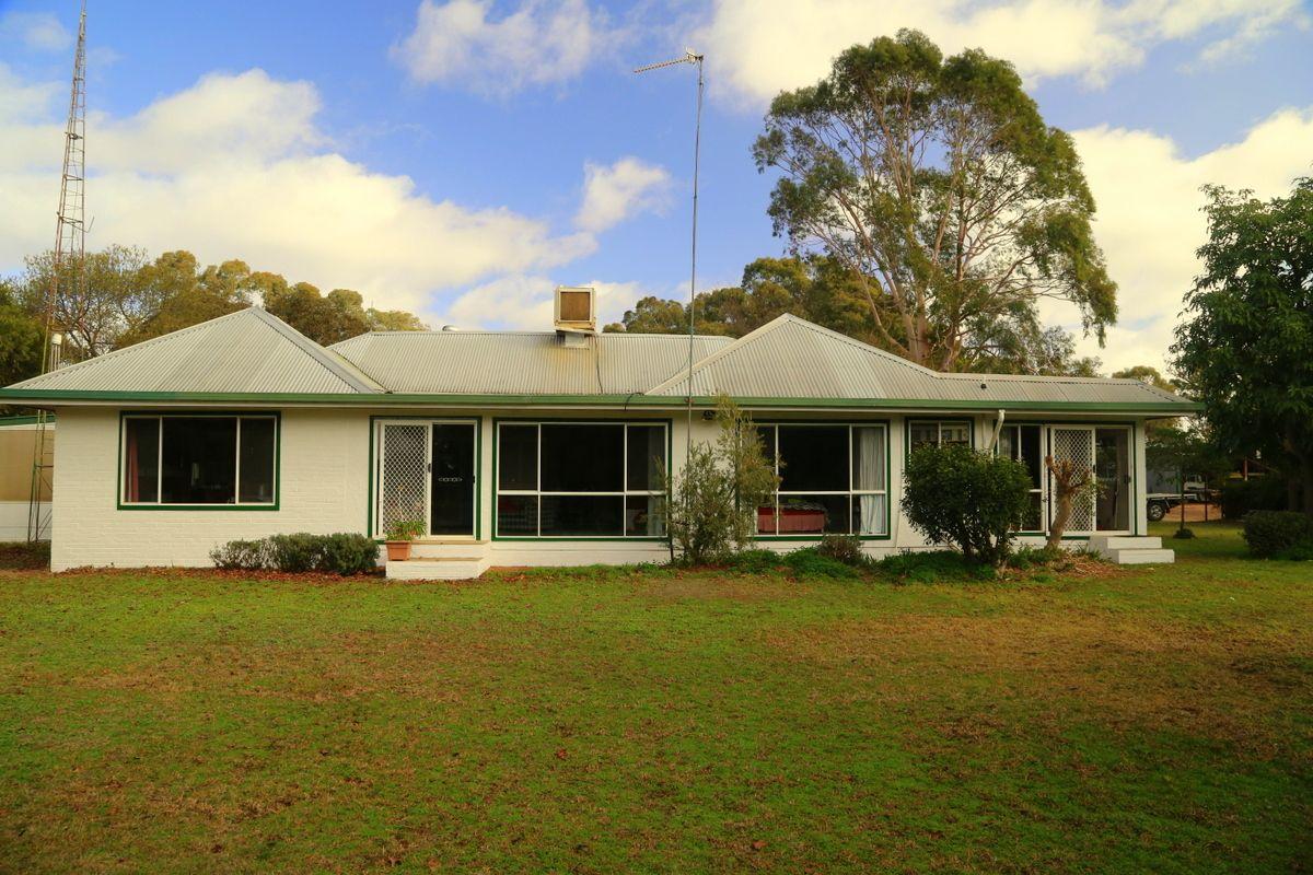 6496 Conargo Road, Deniliquin NSW 2710, Image 2