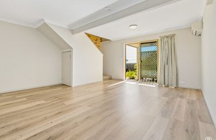 Picture of 4/422 Chatswood Road, Shailer Park QLD 4128