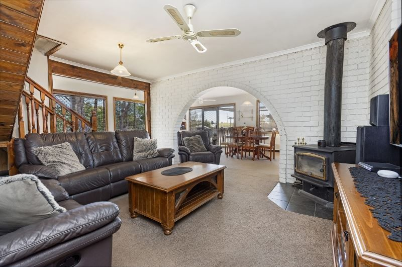 31 Crowther Street, Beaconsfield TAS 7270, Image 2