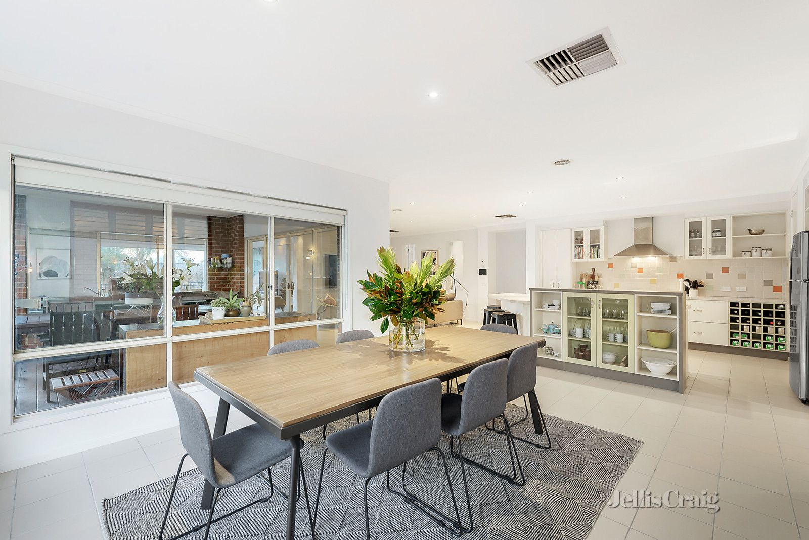 2 Curtin Street, Bentleigh East VIC 3165, Image 2