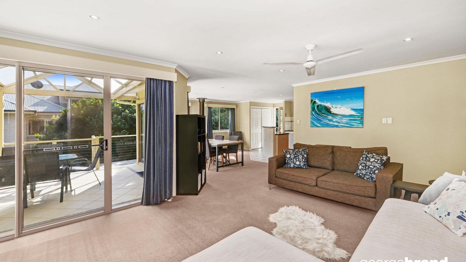17 Reynolds Road, Avoca Beach NSW 2251, Image 2