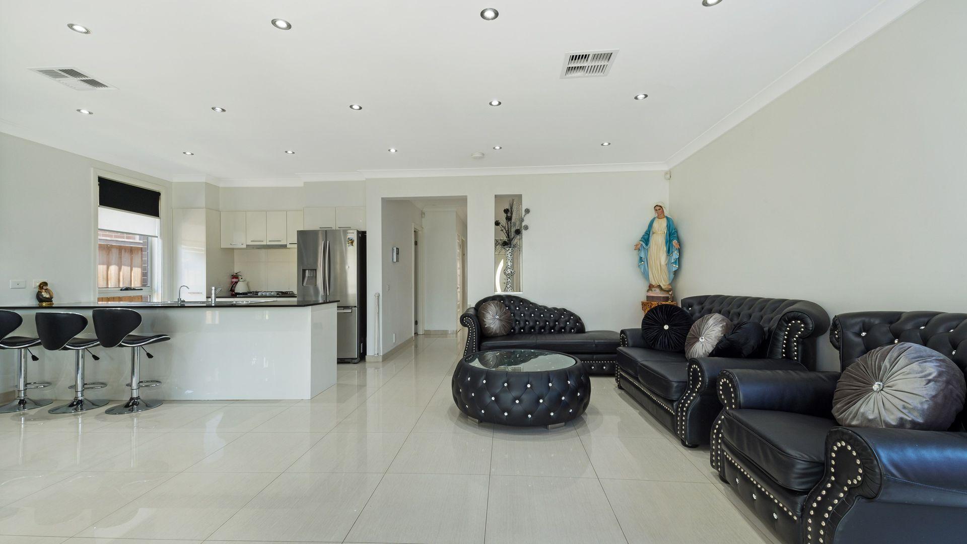 16 Pipistrelle Avenue, Elizabeth Hills NSW 2171, Image 2