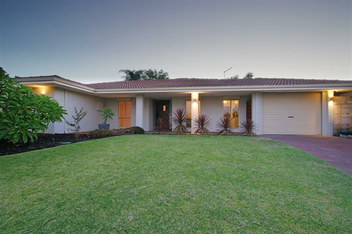 22 Beckett Close, Munster WA 6166, Image 0