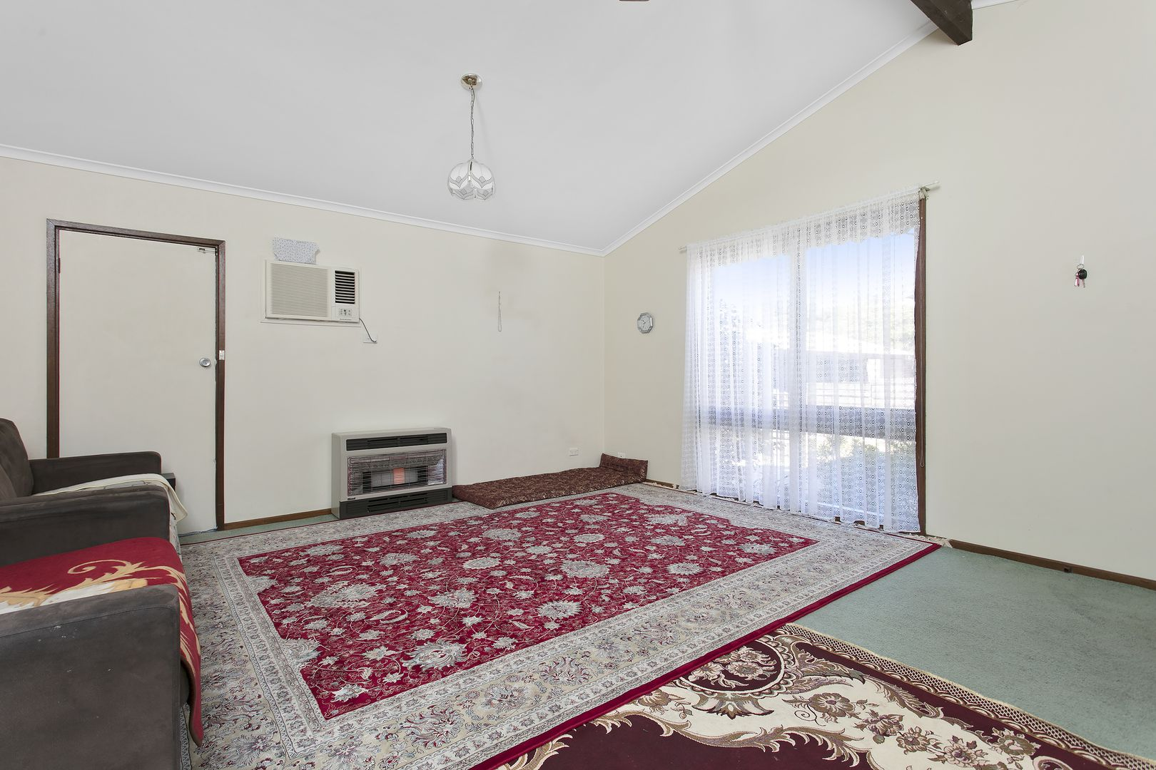 2/127 Mackenzie West Street, Golden Square VIC 3555, Image 1