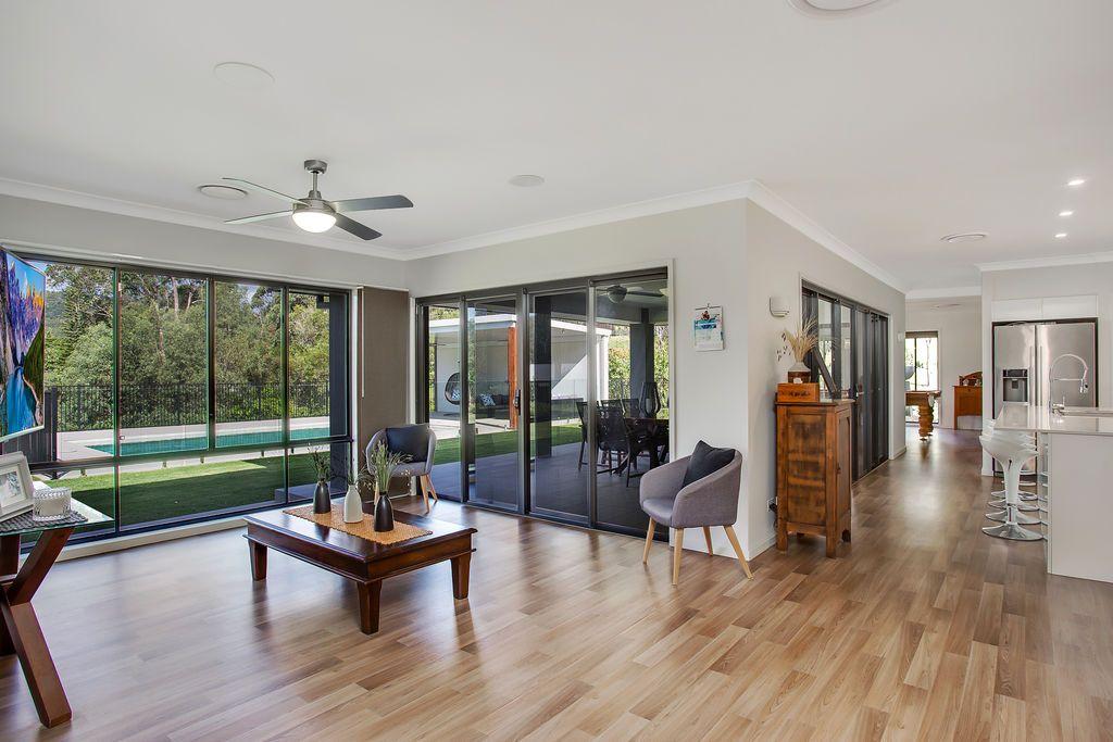 8 Leyshon Court, Bonogin QLD 4213, Image 2