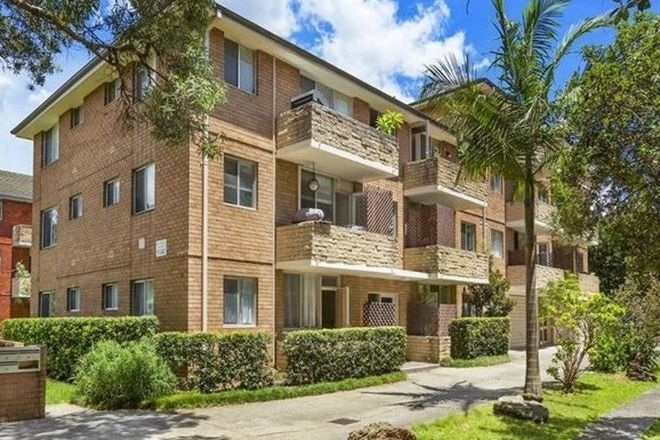 Picture of 3/10 Fairway Close, MANLY VALE NSW 2093