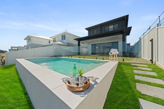 Picture of 98 Marina View Drive, PELICAN WATERS QLD 4551