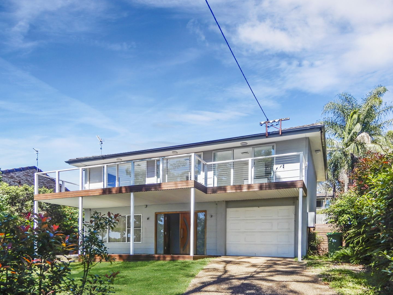 17 Malumba Avenue, Saratoga NSW 2251, Image 0