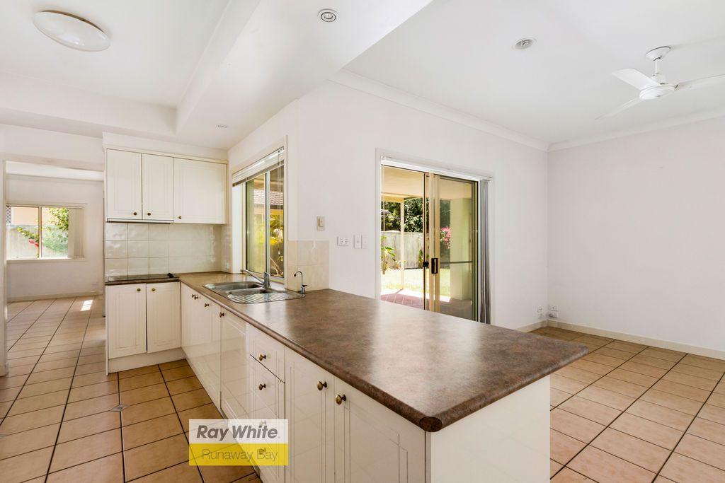 6 Herington Close, Arundel QLD 4214, Image 1