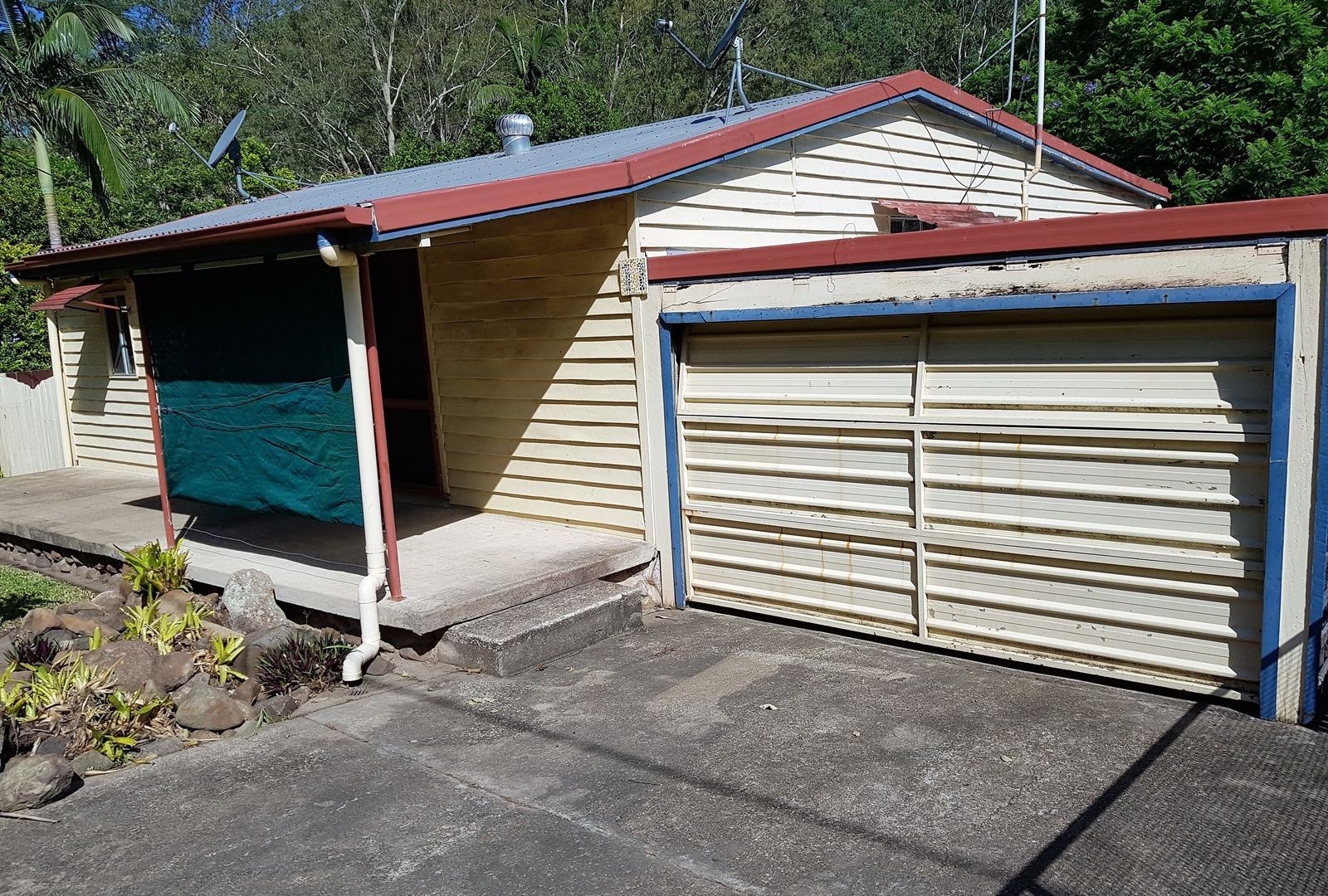 11 Gipps St, Somerset Dam QLD 4312, Image 1