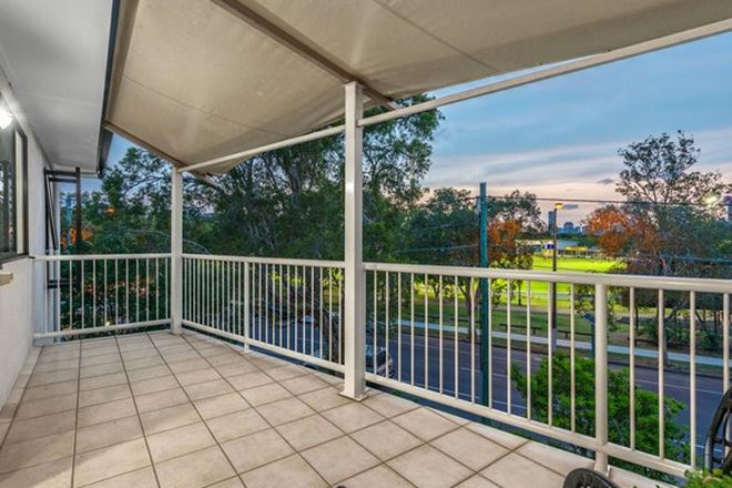 Picture of 6/147 Riding Road, HAWTHORNE QLD 4171