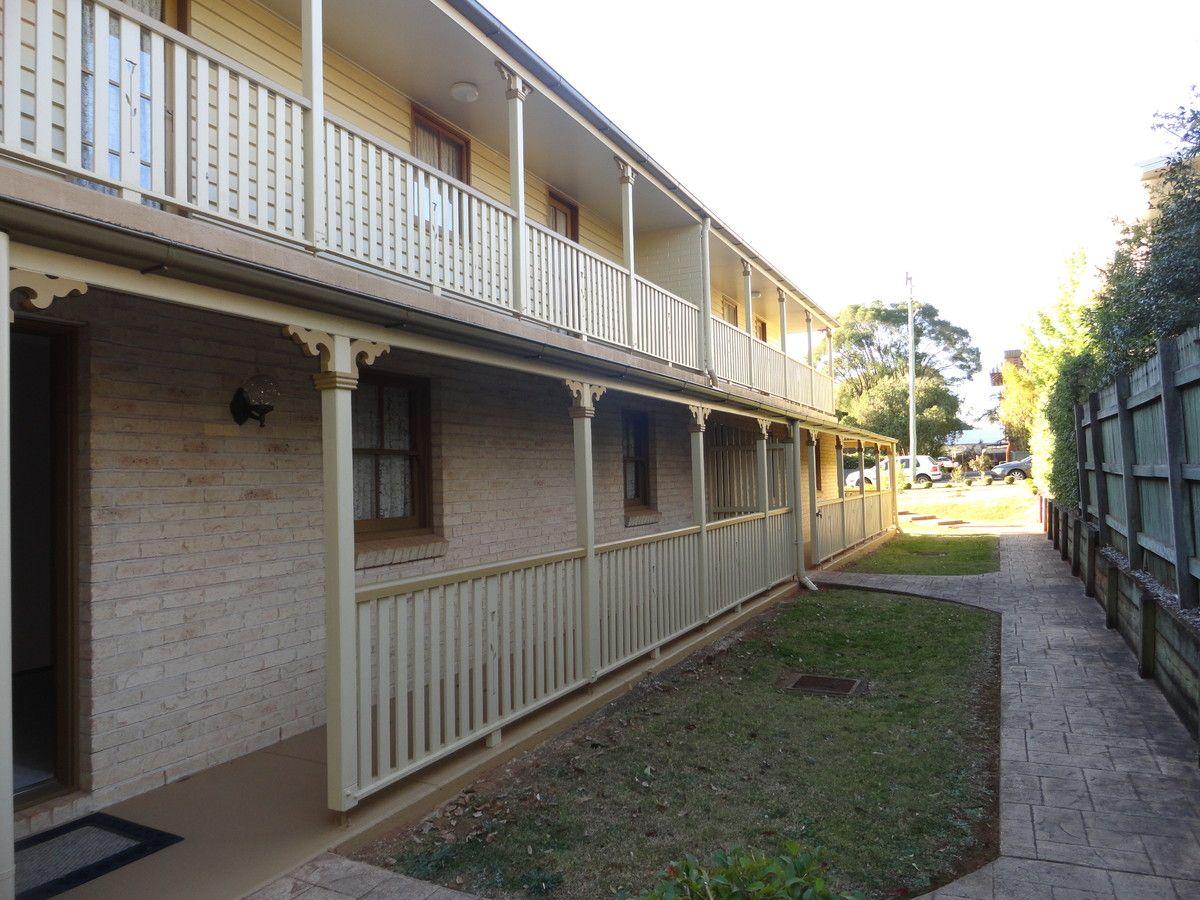 2/4 Creek Street, East Toowoomba QLD 4350, Image 0