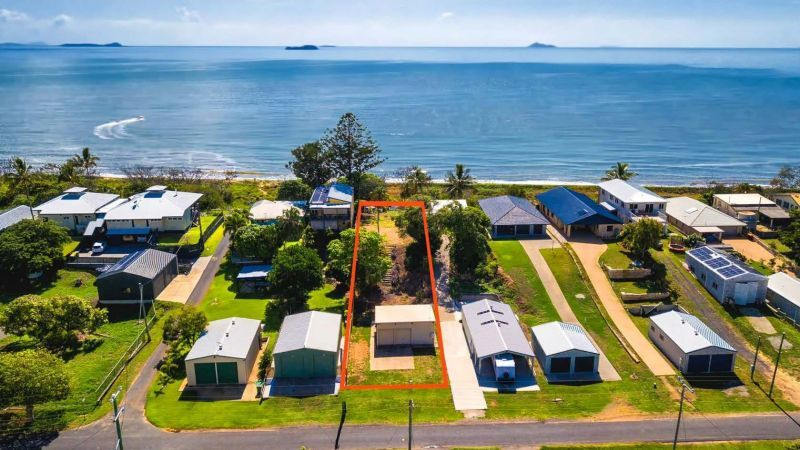 36 Schofield Parade, Keppel Sands QLD 4702, Image 0