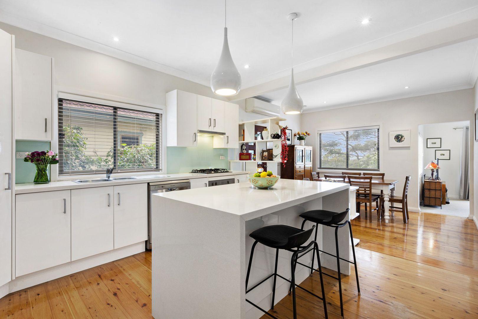 80 Ocean Street, Mount Saint Thomas NSW 2500