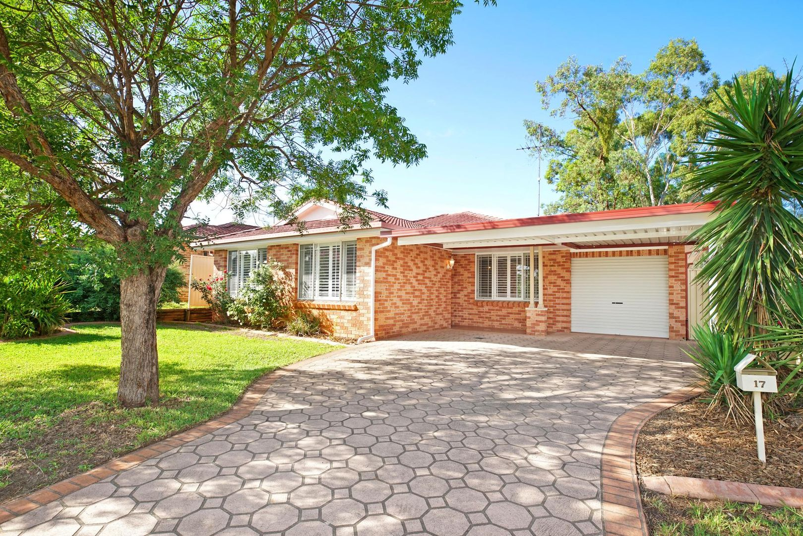 17 Jirang Place, Glenmore Park NSW 2745, Image 1
