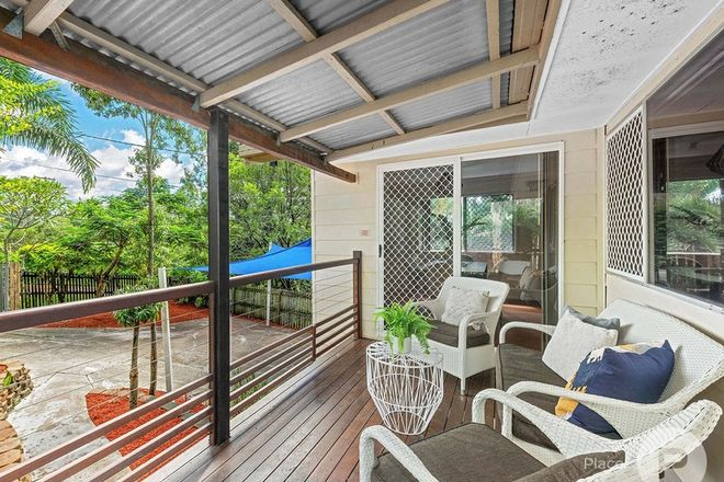 Picture of 172 Messines Ridge Road, HOLLAND PARK WEST QLD 4121