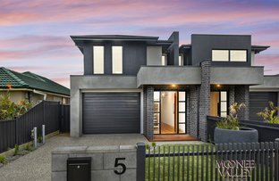 Picture of 5 Cornwall Street, Avondale Heights VIC 3034