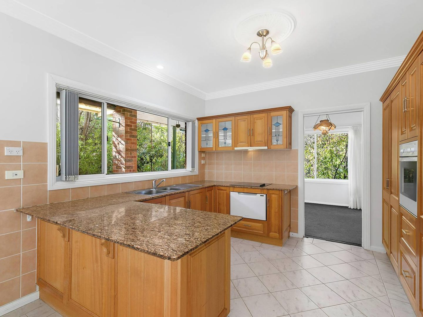 5 Maple Grove, Wentworth Falls NSW 2782, Image 2