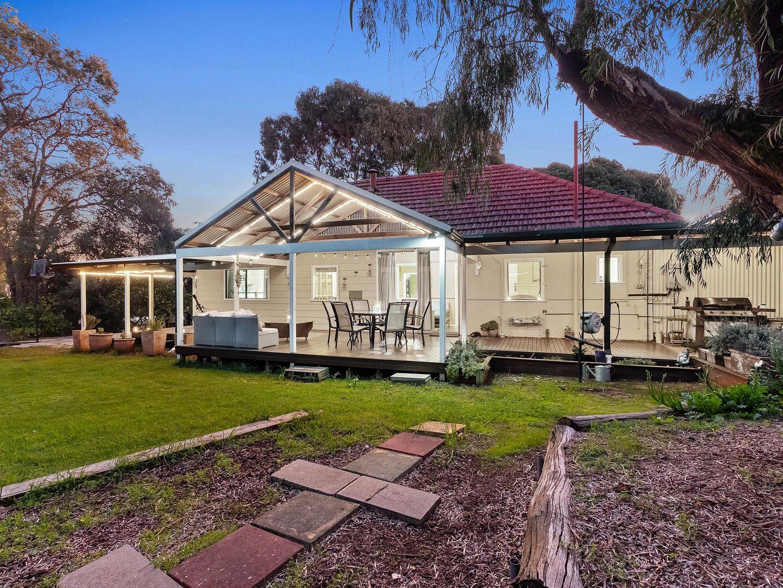 18 Banksia Road, Walliston WA 6076, Image 1