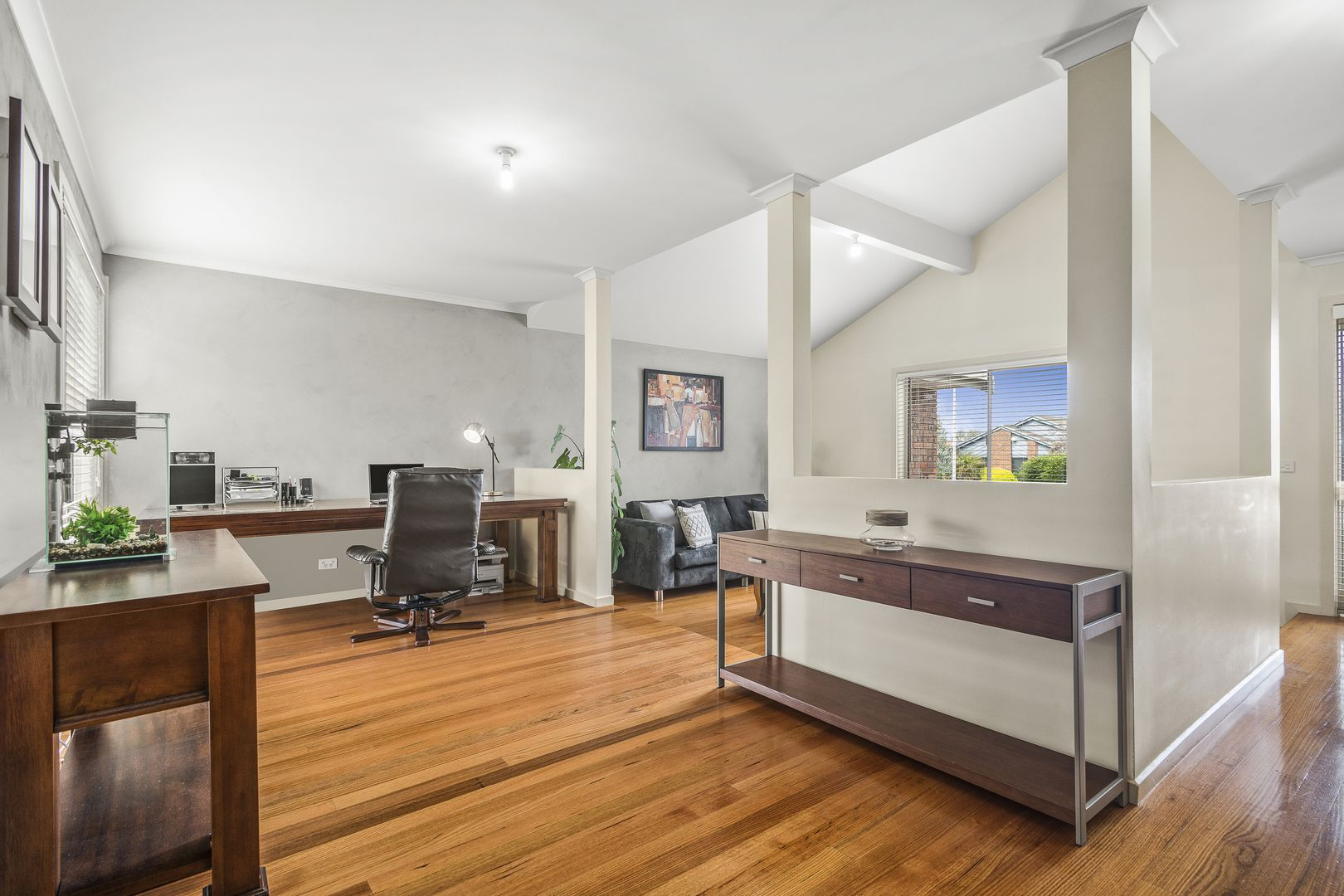 10 Polydor Court, Epping VIC 3076, Image 2
