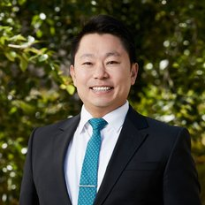 Mike Lao, Sales representative