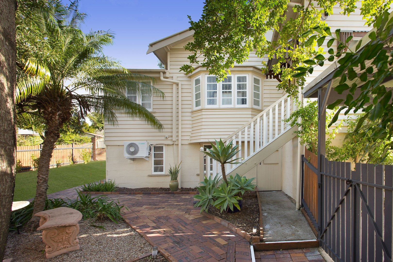 35 Iris St, Holland Park West QLD 4121, Image 0